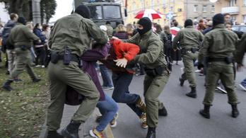 Káoszt és anarchiát akar a Nyugat, véli a minszki külügyminiszter