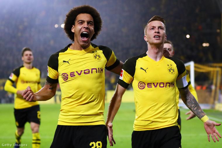 Valószínűleg ilyen arcot vághattak a német Borussia Dortmund focicsapat tagjai, amikor megtudták, hogy az új edzőjük a Busted Coverage férfimagazin által a világ legszebb sportolónőjének kikiáltott Alica Schmidt lesz.