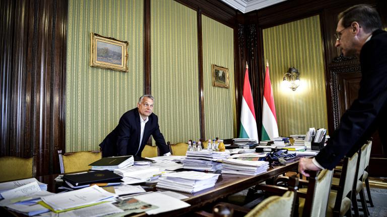 Óvatosabban szórja a pénzt határon túlra az Orbán-kormány