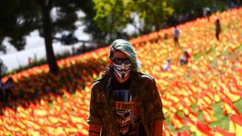 50.000 zászló a koronavírus áldozatainak emlékére