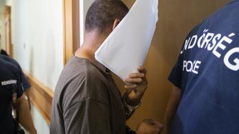Vádlottak padján a nyíregyházi kettős gyilkosság elkövetője