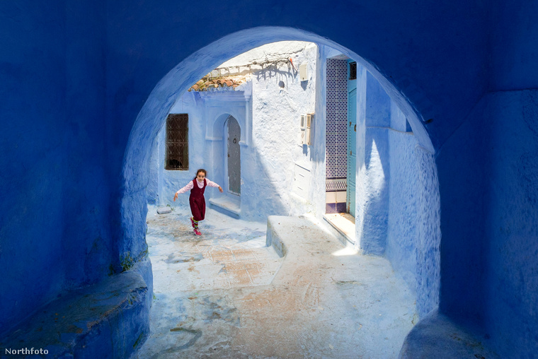 A falu mágnesként vonzotta a turistákat a járvány előtt, ezért is található itt körülbelül 200 hotel