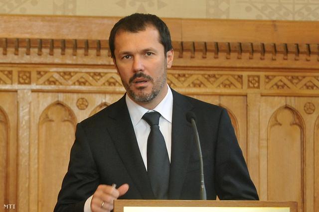 Giró-Szász András kormányszóvivő