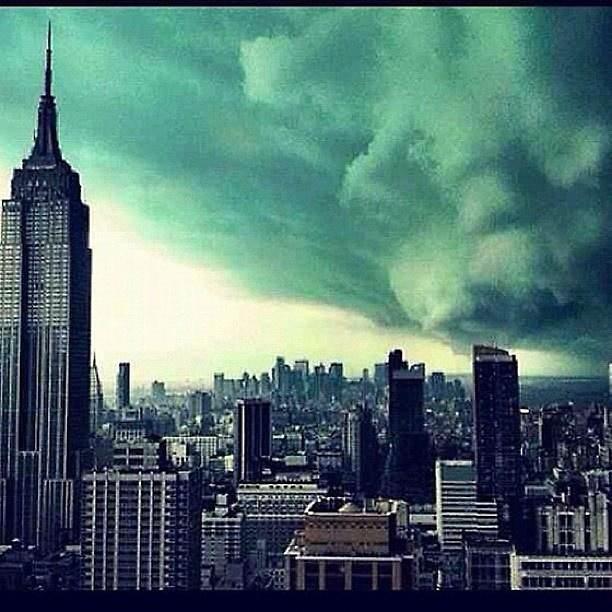 A fotó valódi, azonban 2011-es és az akkori vihar nem okozott károkat.
