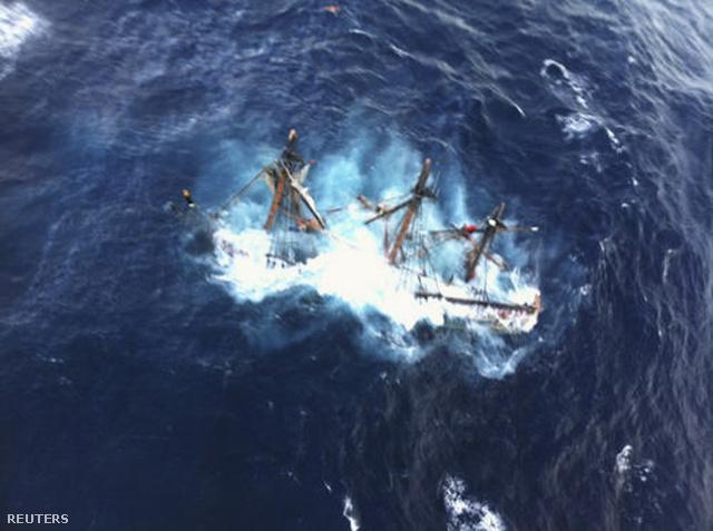 A süllyedő HMS Bounty