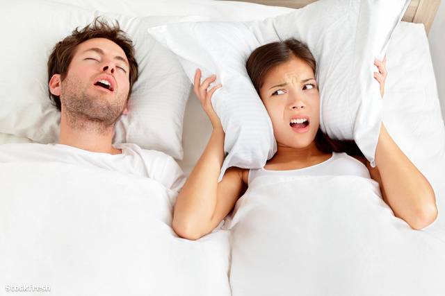 stockfresh 1690070 snoring-man---couple-in-bed sizeM