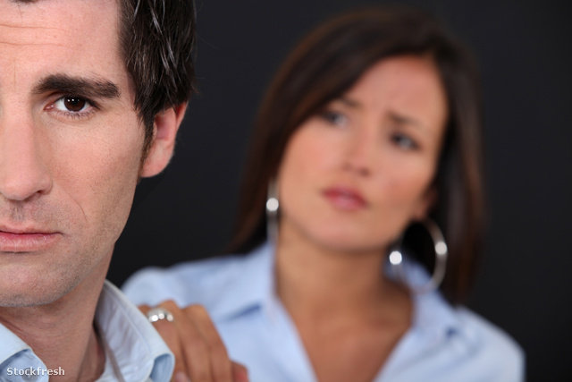 stockfresh 1617921 couple-having-a-disagreement sizeM