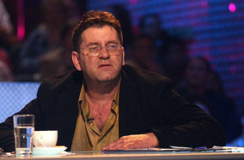Bakács Tibor Settenkedő 2005 márciusában a TV2 Megasztár című tehetségkutató műsorának hatodik döntőjében.