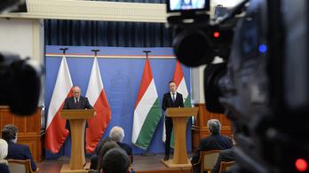 Közös lengyel–magyar fellépés a liberális nézetekkel szemben