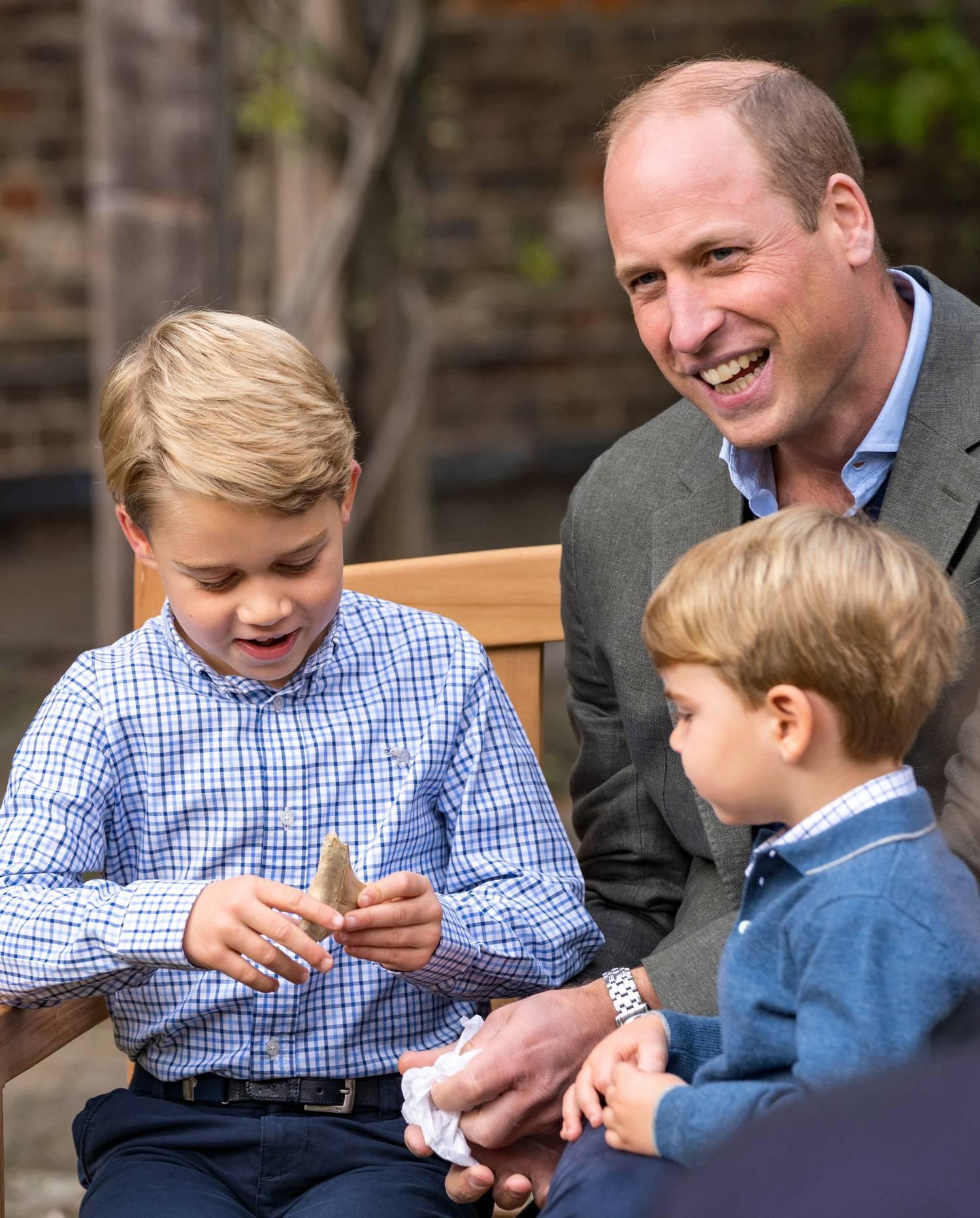 György herceg a cápafoggal 2020. szeptember 24-én Londonban