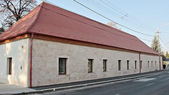 Ökoturisztikai látogatóközpontot adtak át Lábatlanban