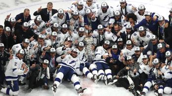Kötelező lesz a maszkviselés az edzőknek az NHL-ben