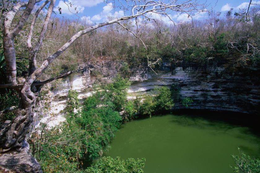 A Szent Cenote Chichén Itzá közelében.