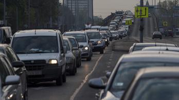 Sok helyen számíthatnak torlódásra az autósok