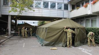 Katonai sátor épült a győri kórház elé