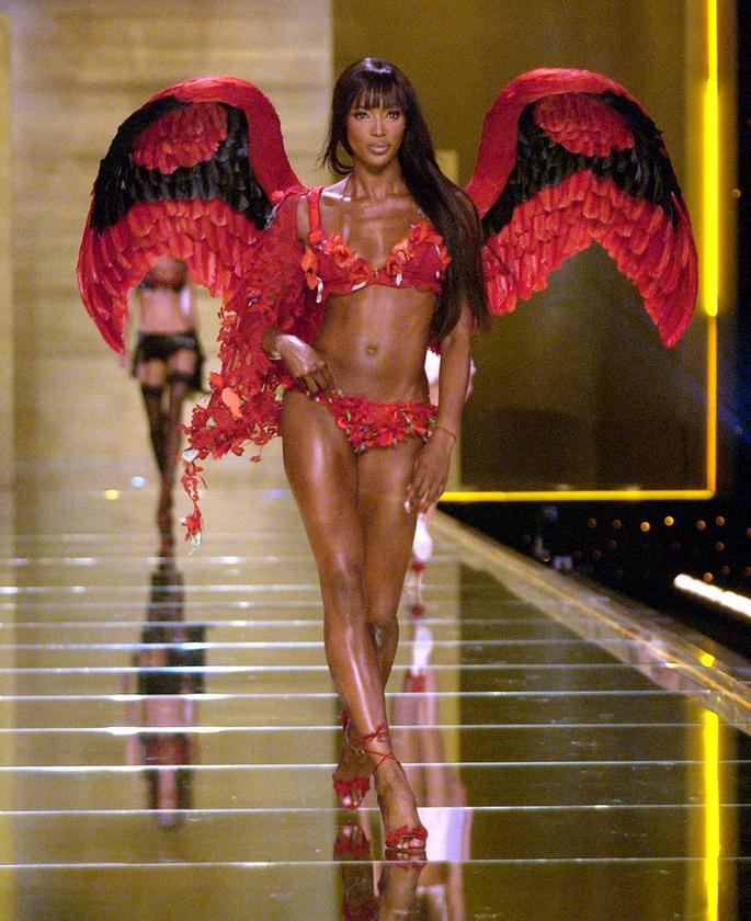 Bár azzal kezdtük a lapozgatónkat, hogy alighanem minden modell álma, hogy a Victoria's Secrettel dolgozzon, Naomi Campbell kivétel
