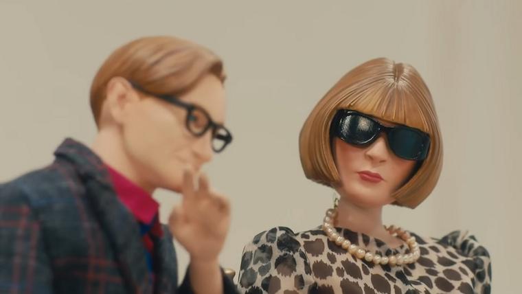 Az Anna Wintour-bábnak megvan a véleménye a Moschino bábbemutatójáról.
