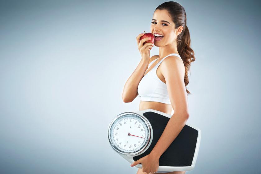 Hogyan adj le biztosan 10 kilót? A személyi edző étrendjét és otthoni edzéstervét mutatjuk