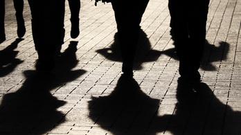 Olaszország: a maffia segíti a járvány miatt bajba jutott családokat