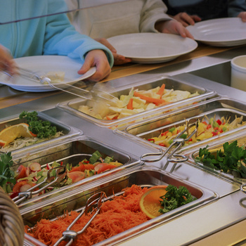 Jobban ízlik a gyereknek a menzás főzelék, mint az otthoni - Működne a menzaforradalom?