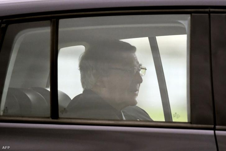 George Pell bíboros elhagyja a Melbourne közelében lévő Barwon Büntetésvégrehajtási Intézetet idén április 7-én