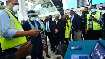 Dél-Afrika újra megnyitja határait a légi közlekedés számára