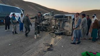 Többen meghaltak egy dél-afganisztáni öngyilkos merényletben