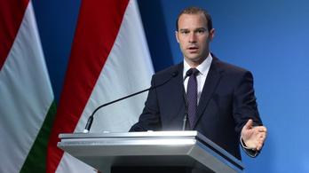 Hollik: A brüsszeliek zsarolják Magyarországot