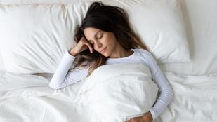 Napi pár perc fekvés már csodákat tehet a fájó gerinceddel