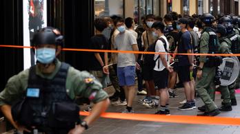"""Hongkongba """"visszatért a béke"""""""
