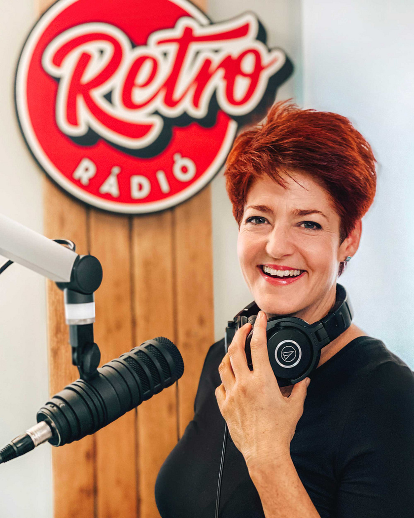 vago-piros-retro-radio