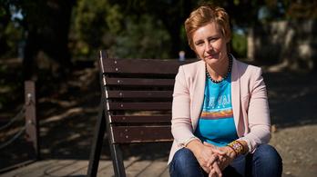 Összeugrottak a női írók Kukorelly Endrével