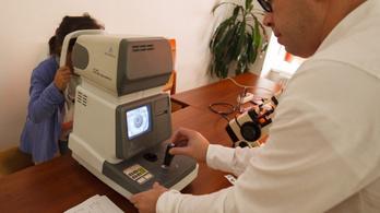 Ingyenes látásvizsgálatokat szervez a Magyar Látszerész Szövetség