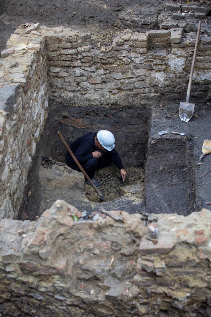 Az ásatás során jelentős török kori leletanyag is a felszínre bukkant.