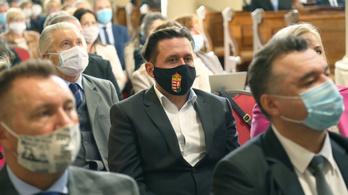 Orbán Viktor megírta a soproniaknak, hogy a keresztény ember mit csinál