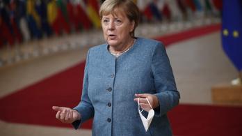 Angela Merkel: Az Európai Uniónak teljesen felül kell vizsgálnia a kapcsolatait Törökországgal