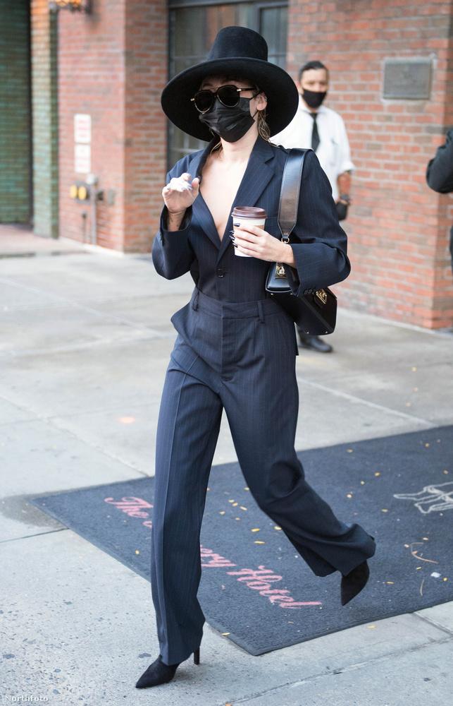 Miley Cyrusnak elég intenzív hete volt most, ami az öltözködést illeti