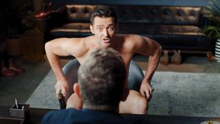 Hugh Jackman ugyanolyan szexi, mint amilyen vicces ebben a reklámban