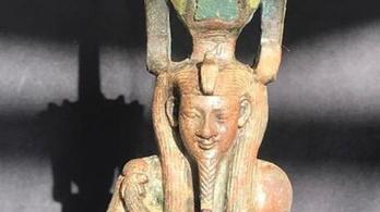 Egy ókori egyiptomi isten 2500 éves szobrát fedezték fel Kairó közelében