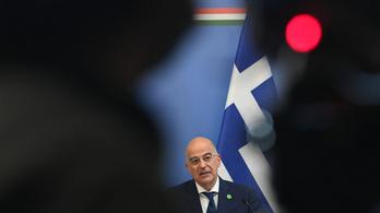 Szinte könyörgött a görög külügyminiszter Szijjártó Péternek Magyarország törökök elleni támogatásáért