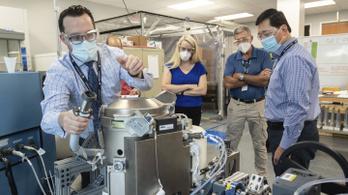 Koedukált titánvécét lőnek fel a Nemzetközi Űrállomásra