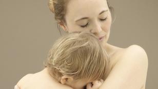 Téged látott már a gyereked meztelenül? Tudod, mivel ártasz neki?