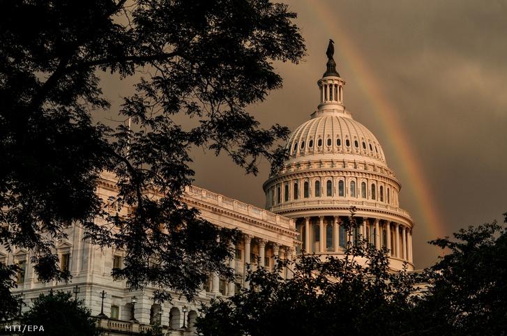 Az amerikai törvényhozás, a kongresszus washingtoni épülete, a Capitolium