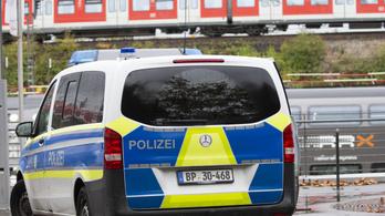 Pokolgépnek látszó tárgyat találtak egy vonaton Kölnben