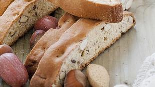 Sznoboskodj velünk olasz hangulatban: mogyorós-narancsos biscotti