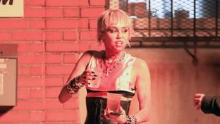 Miley Cyrus Dua Lipával forgatja az új klipjét