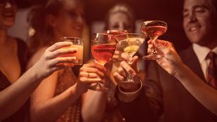 A pohár alakján is múlik, mennyit iszunk