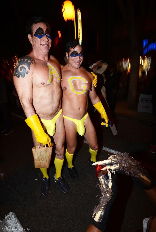 Halloween-karnevál nyugat-Hollywood utcáin - ők meg nyilván vadakat terelnek