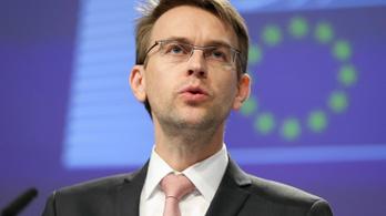 Kivizsgálná az önmagát felgyújtó újságírónő ügyét az EU-szóvivő