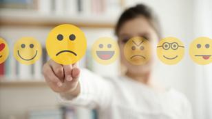 A zaklatáson túl: így árthat a közösségi média a gyereknek